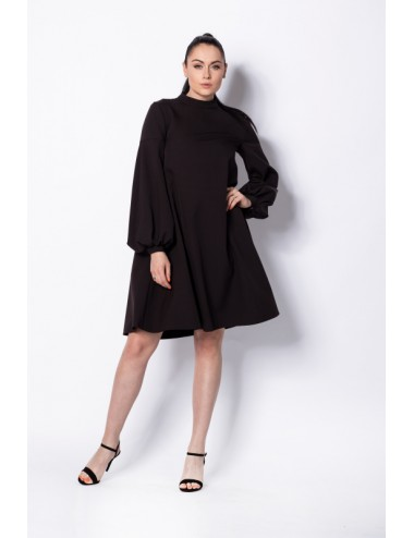 Nunu suknelė plačiomis rankovėmis